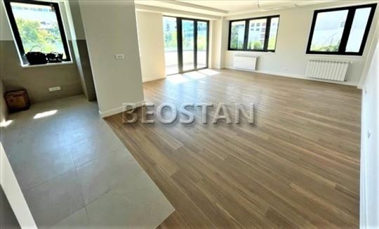 Novi Beograd - Blok 32 Novogradnja ID#43449