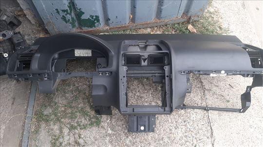 VW Touran tabla i airbegovi