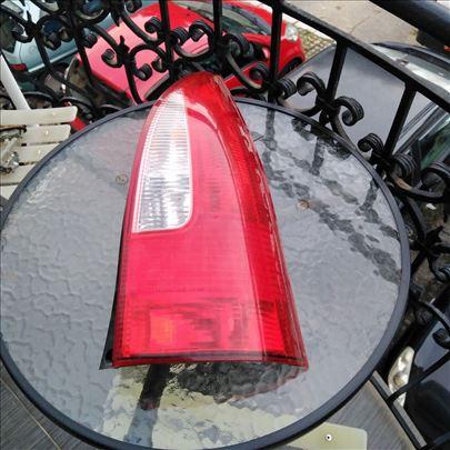 Mazda Premacy desna stop lampa