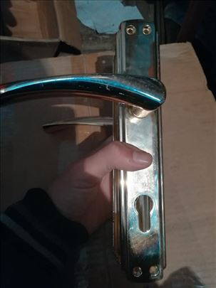 Kvake za drvena vrata sa oprugom model 7 Novo