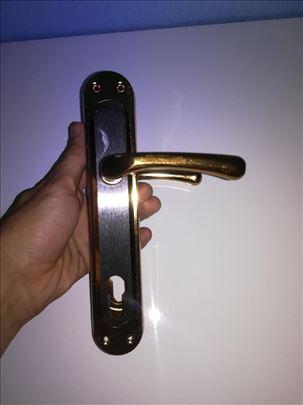 Kvake za drvena vrata sa oprugom model 9 Novo