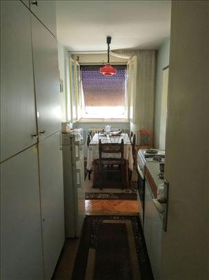 Dvosoban stan na odličnoj lokaciji, u blizini Klin