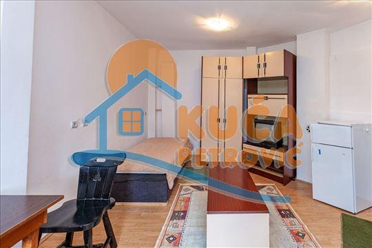 Na prodaju kuća 83m2 na 2.61 ari placa u centru, c