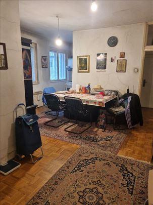 Vračar, Mileševska, salonac, 65m2, 150000e
