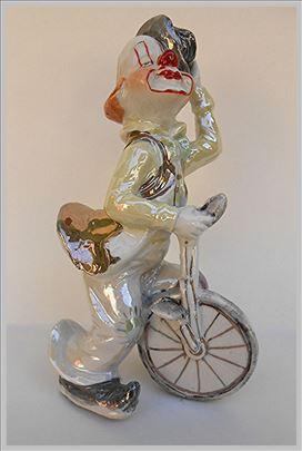Pajac na monociklu