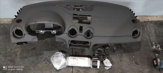 Audi A1 komandna tabla reparirana