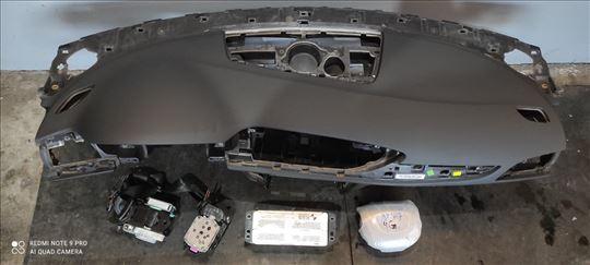 Audi A6, 2014,  reparirana komandna tabla