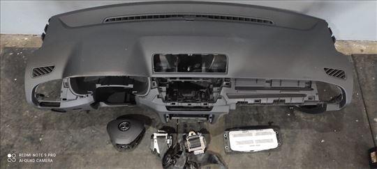 Škoda fabija 2015, reparirana komandna tabla