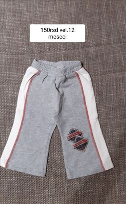 pantalone za bebe vel.12m 150rsd