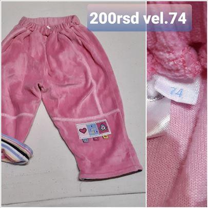 pantalone za bebe vel.74 200rsd