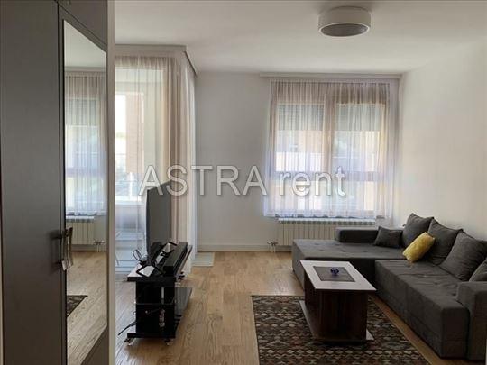 Beograd, Hotel Jugoslavija, Stan, 2.0, 65m2