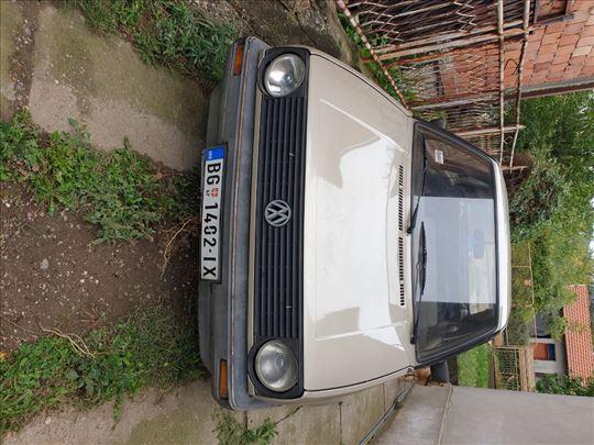 Volkswagen Golf 2 PRODAJEM HITNO!!Cena po dogovoru