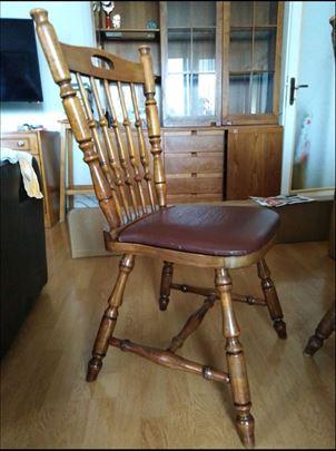 Drvene stolice sa kožnim sedištem