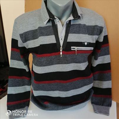 kvalitetna muška majica
