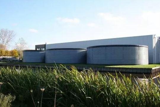 Metalni čelični rezervoari, cisterne, tankovi voda