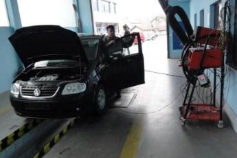 """38 stavki zbog kojih vaš auto """"pada"""" na novom tehničkom pregledu"""