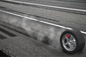 Kako najbrže zaustaviti vozilo - tehnike kočenja