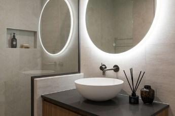 Kako renovirati malo kupatilo da izgleda veće