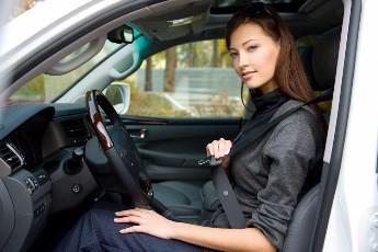 Pravilan položaj koji vozač mora da ima prilikom vožnje