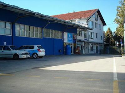 Izdajemo  magacine lekova  hale skladista Beograd