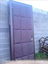 Tapacirana i obična vrata