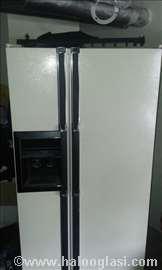 Američki frižider sa hlađenjem vode