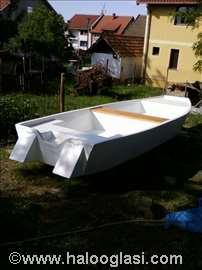 Hedonist 5.40 - rečni čamac