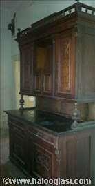 Starinska komoda sa mermernom pločom