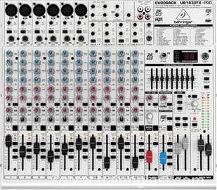 Behringer Eurorack UB1832FX-PRO 18-Channel Mixer