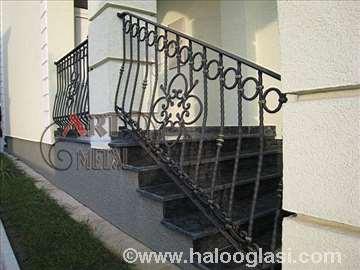 Stepenišne ograde od kovanog gvožđa