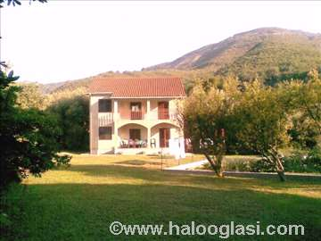 Crna Gora, Bijela, kuća za odmor