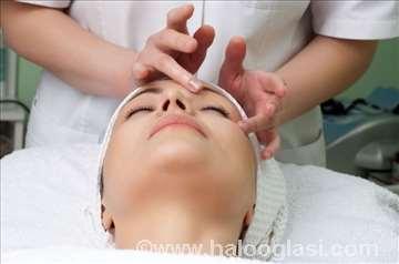 Tretmani lica u kozmetičkom salonu Adut
