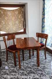 Mali sto i dve stolice