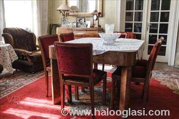 Sto i šest stolica