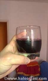 Crno domaće kvalitetno vino Kaberne sovinjon