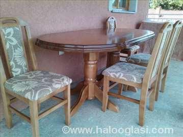 Kvalitetan sto i stolice povoljno