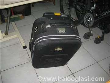 Kofer mali