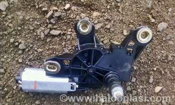 Motor brisaca