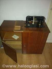 Mašina za šivenje mirna