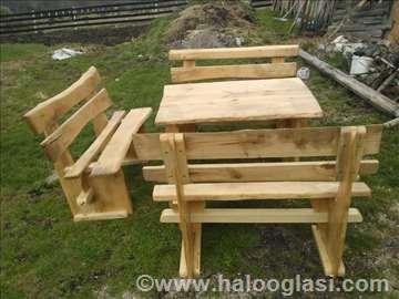 Drveni sto sa klupama, ručni rad