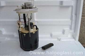 Lancia y benzinska pumpa