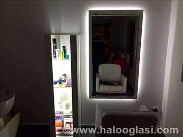 Ogledalo za frizera