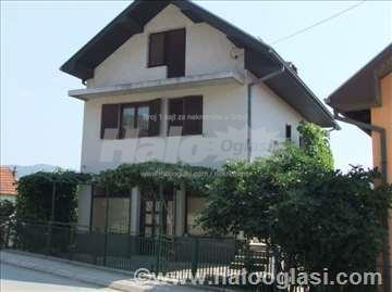 Na Prodaju Kvalitetna Kuća Sa Lokalom 253 M2