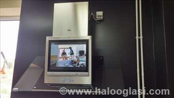 Kuhinjski aspirator sa televizorom