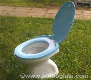 WC šolja sa poklopcem