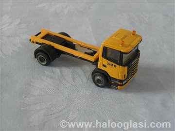 Kamion  Scania ,otprilike 1:60
