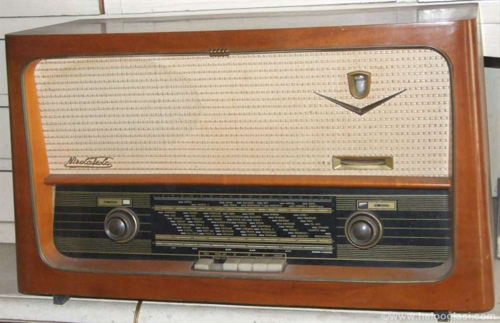 Stari Radio Nikola Tesla T 301 Halo Oglasi