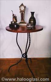 Unikatni stolovi od kovanog gvožđa