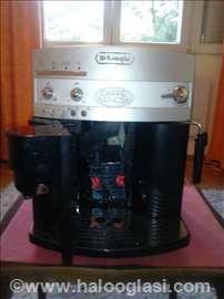 Nov aparat za espresso Delonghi ESAM 03.110