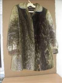 Kratka bunda od prirodnog krzna